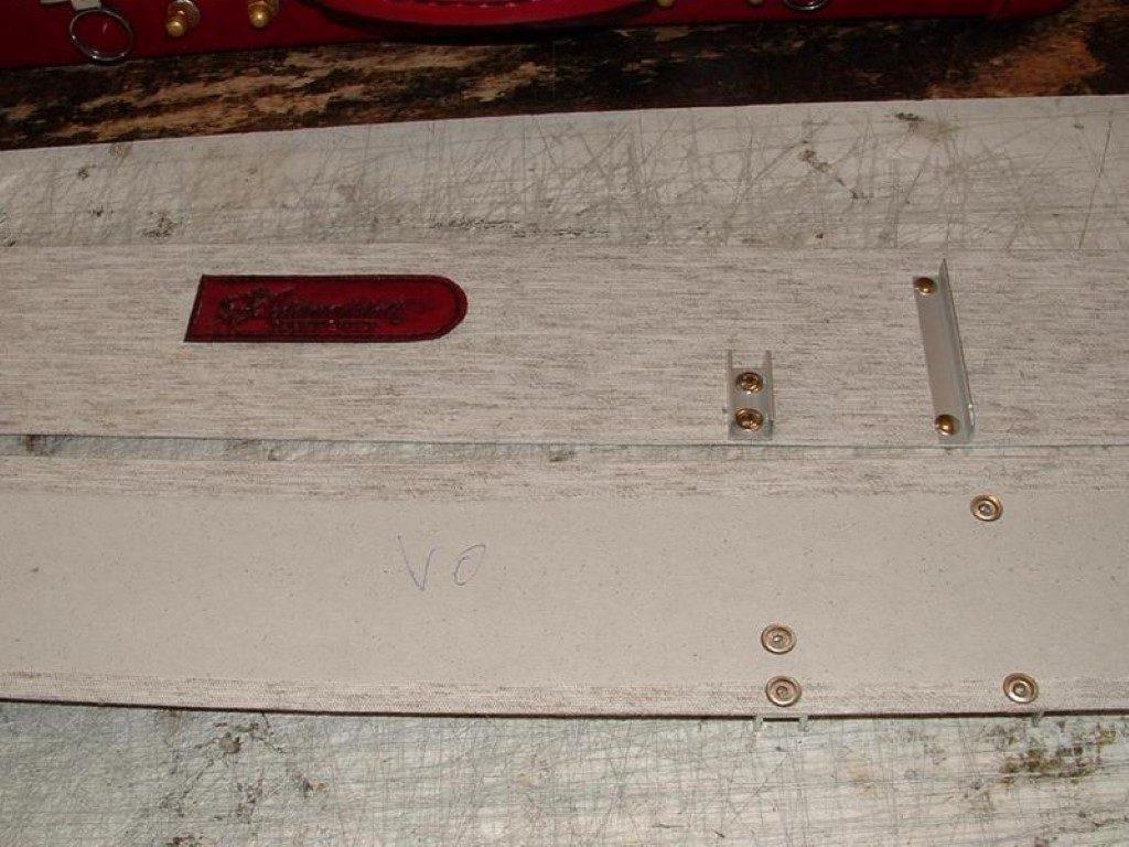 koffer-rot-entstehung-mit-einem-besonderem-verschluss-20