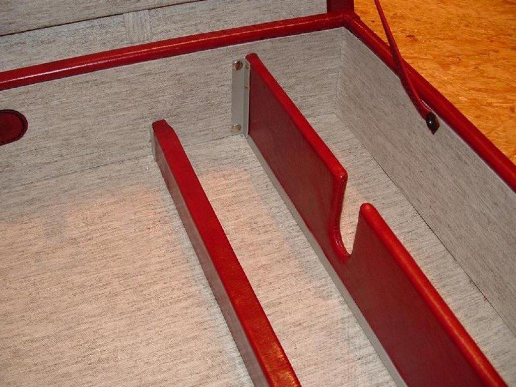 koffer-rot-entstehung-mit-einem-besonderem-verschluss-32