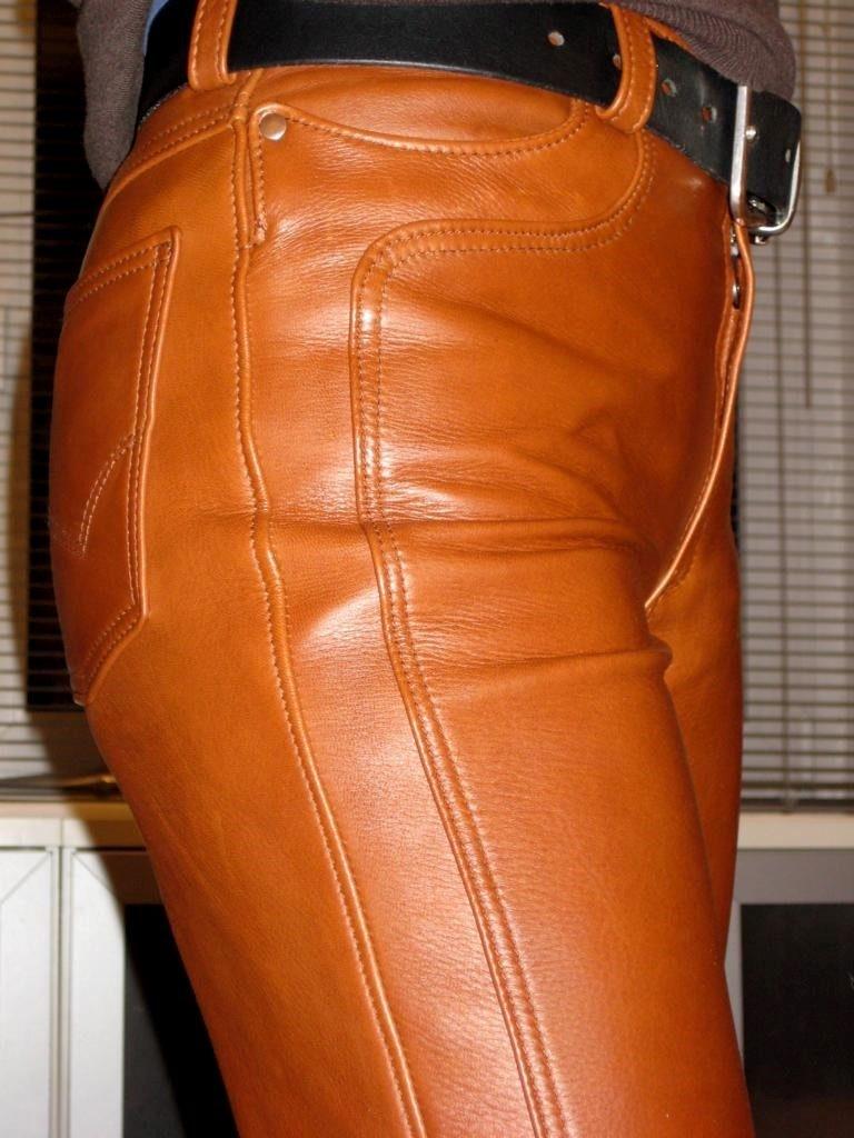 braune-rindlederhose-mit-ziernaht