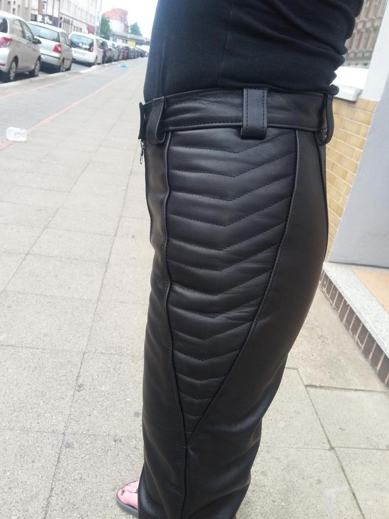 motoradlederhose-mit-hueft-und-kniepolster-doppelreissverschluss-und-cargotasche-4