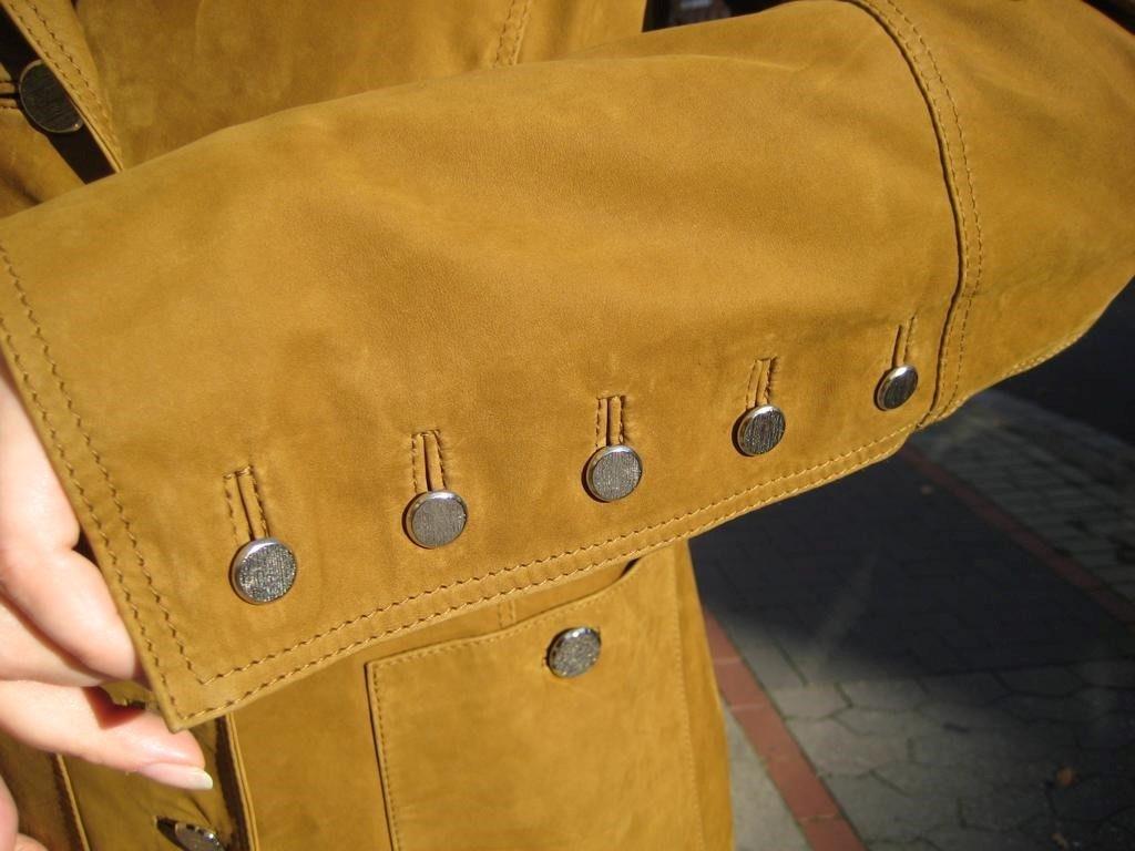 damengehrock-veloursleder-knoepfe-metall