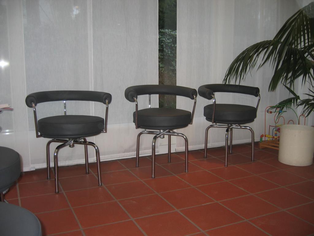 polster neu beziehen lederwerkstatt hannover. Black Bedroom Furniture Sets. Home Design Ideas